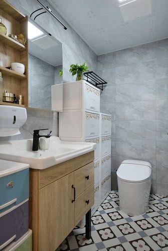 10-15万110平米三室一厅轻奢风格卫生间装修案例