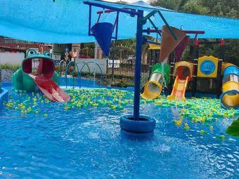 香格里拉水上乐园游泳馆