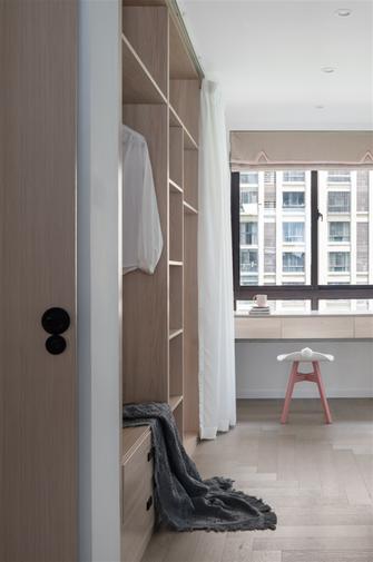 富裕型110平米三室一厅北欧风格衣帽间设计图