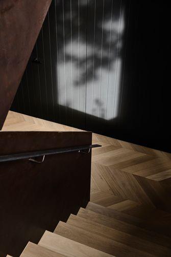 140平米轻奢风格楼梯间设计图