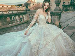 LISA'Z WHITE丽莎国际婚纱礼服旗舰店