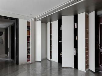 富裕型130平米三室一厅现代简约风格衣帽间装修效果图