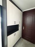 10-15万90平米三室一厅现代简约风格玄关装修效果图