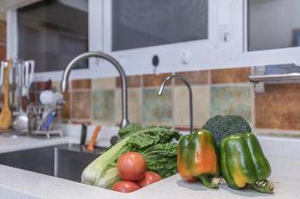 富裕型110平米三欧式风格厨房图片