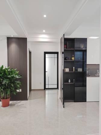 5-10万130平米三室两厅现代简约风格走廊装修图片大全