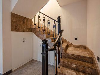 140平米别墅轻奢风格楼梯间装修案例