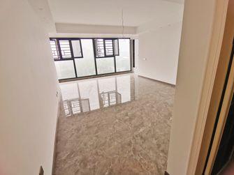 130平米四现代简约风格客厅图