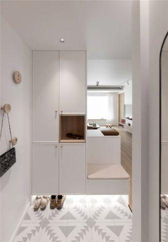 富裕型三室两厅日式风格玄关图