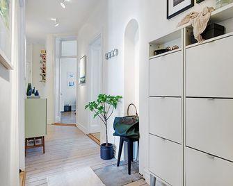三室一厅北欧风格走廊图