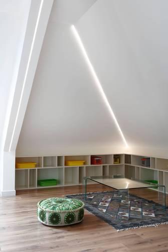 140平米别墅轻奢风格阁楼图片