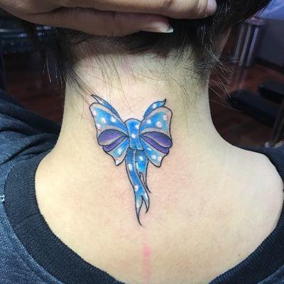 蝴蝶结纹身款式图