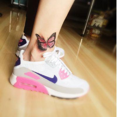 脚踝蝴蝶纹身款式图
