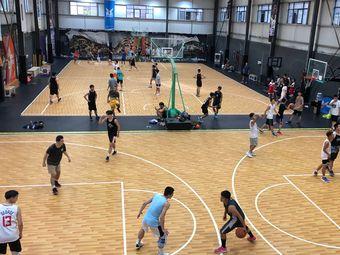七海体育篮球公园