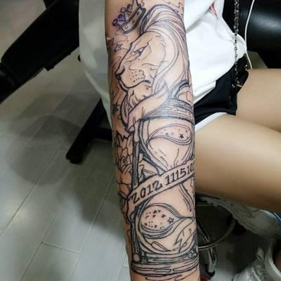 小花臂纹身图