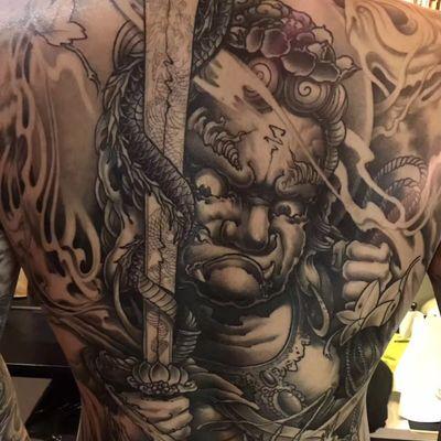 传统满背纹身图