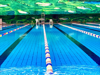 皇盛得意龙游泳水疗健身馆