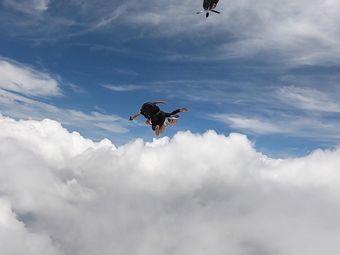 鹰飞跳伞惠州基地