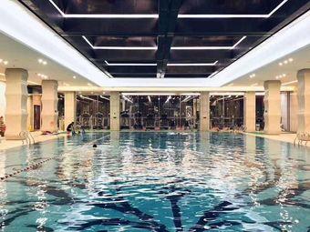 天时名朗游泳健身