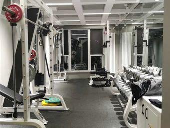 辰不想健身工作室