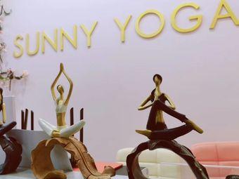 SUNNYYOGA瑜伽私教中心
