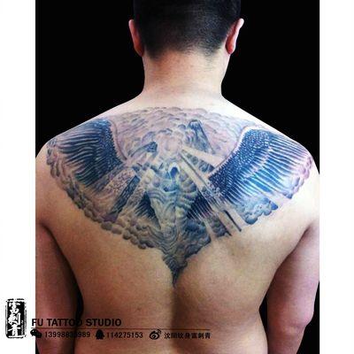 半背天使纹身图