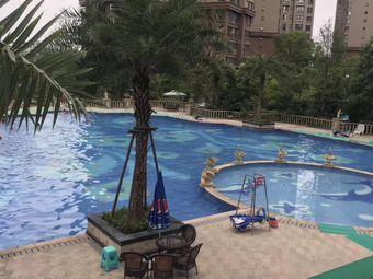 龙湾半岛游泳池