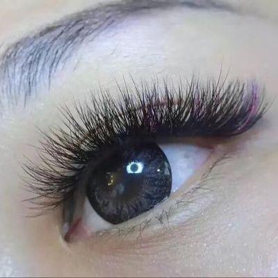 彩色眼尾美甲图