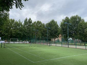 领跑者网球俱乐部