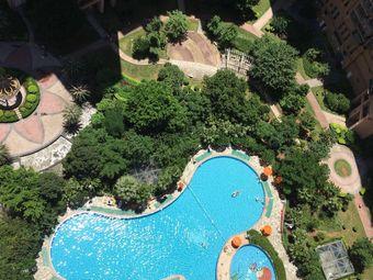 彩虹城北区游泳池