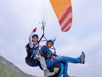 龙发山滑翔伞飞行营地