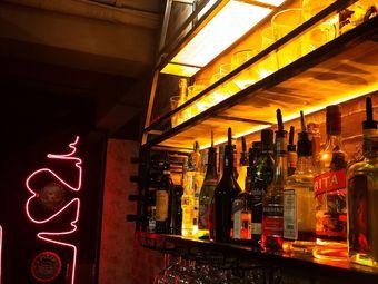 啤卡球·精酿啤酒酒馆