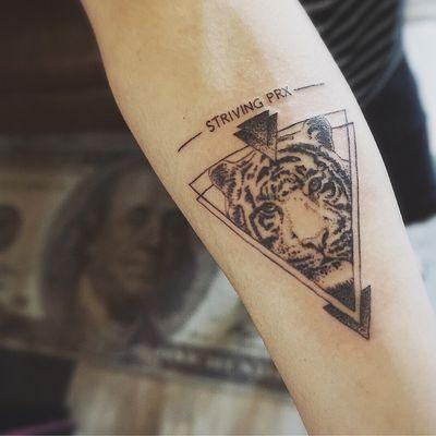 几何老虎纹身款式图