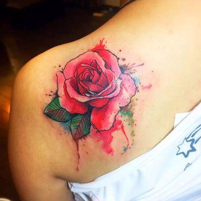 水彩玫瑰纹身图