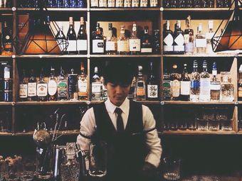 张北年和他的猫 Whisky Cocktail bar