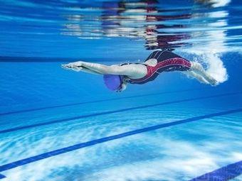 彩虹游泳培训