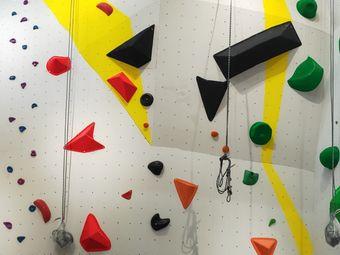 比力熊攀岩运动馆