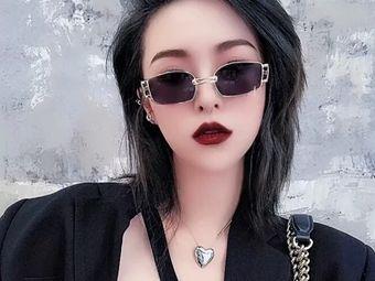 v型hair·接发·烫染·美甲(总店)