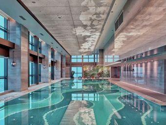 露芝露游泳健身中心