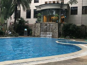 佳宁娜游泳池培训班(佳宁娜大酒店店)
