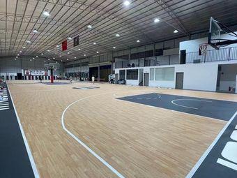 易燃篮球公园
