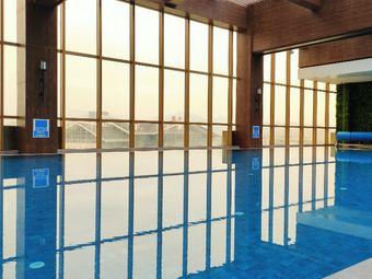 君廷酒店游泳馆