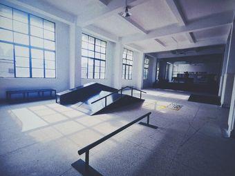 凹凸7C滑板公园