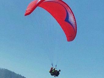 龙门尖峰山滑翔伞飞行基地