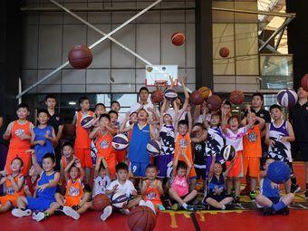 马超锐炼篮球学院(富力校区)