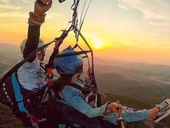 南宁六景滑翔伞跳伞基地