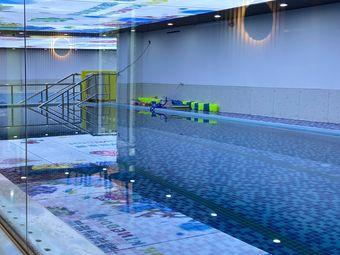 蓝泡王国.游泳俱乐部
