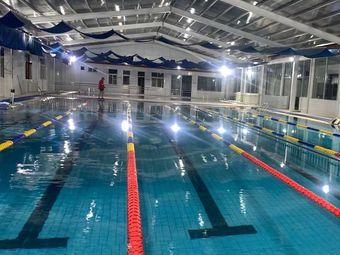 水晶宫游泳馆