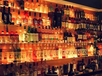 VOLT沃特威士忌西服定制酒吧