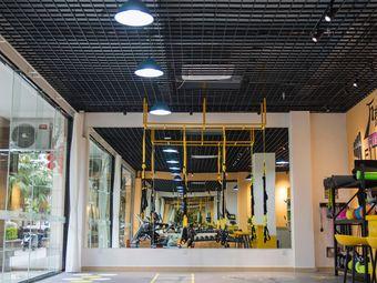 万有引力健身工作室