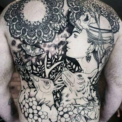 美女满背纹身图